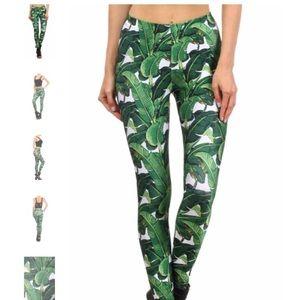 Poprageous Banana Print Leaf Dream Yoga Leggings L